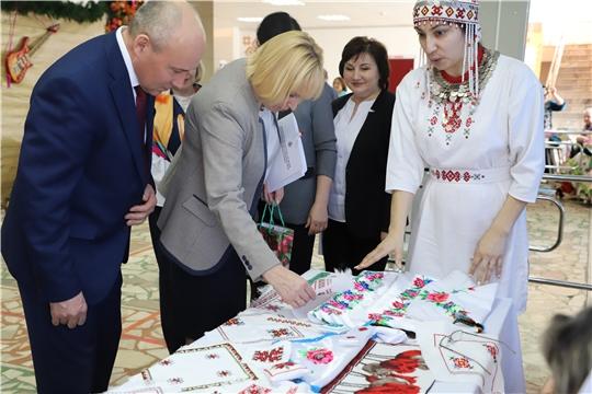 Министр культуры Светлана Каликова посетила Батыревский район