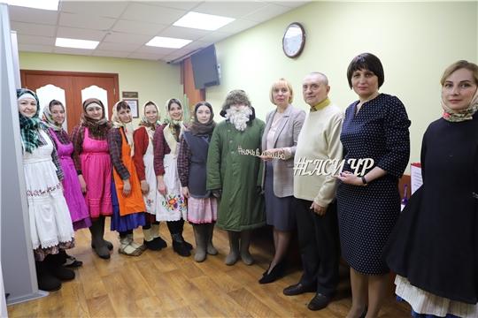 Министр культуры посетила Госархив современной истории в рамках акции «Ночь в архиве»