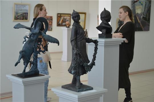 В ЧГХМ открылась выставка «POSTKOLONIAL ART 21»