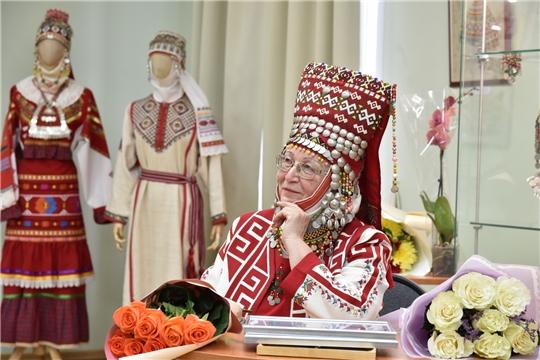 Открытие выставки головных уборов и украшений работ Зинаиды Вороновой