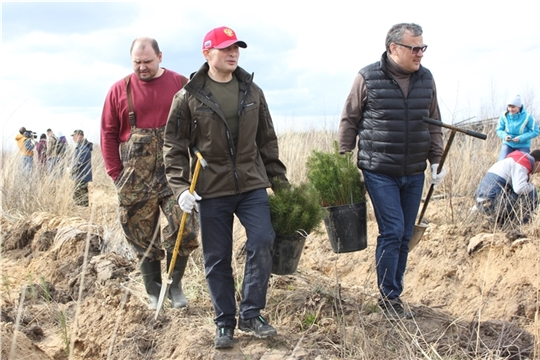 Глава Чувашии принял участие в акции «Сад памяти»