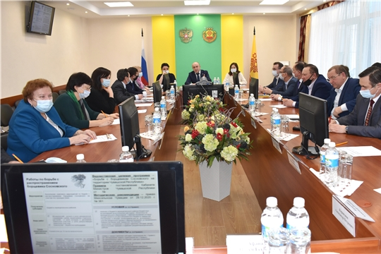 Сергей Артамонов обсудил новые формы господдержки аграриев с советниками и членами общественного совета