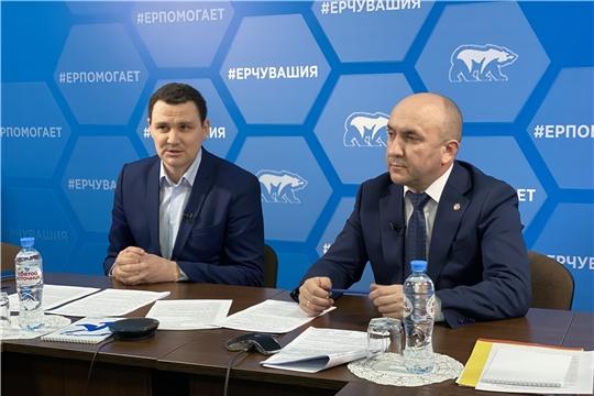 Сергей Артамонов обсудил с жителями республики развитие сельхозотрасли