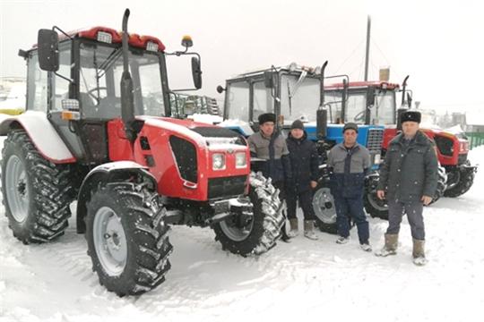 Парк техники аграриев Вурнарского района пополнился 8 тракторами