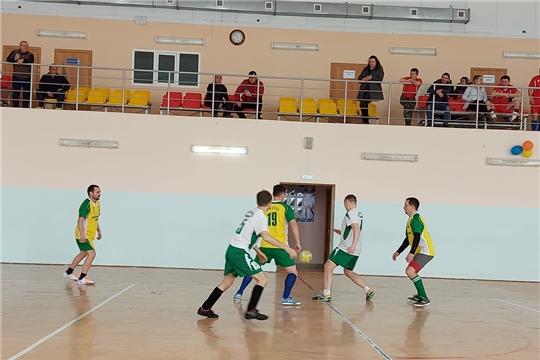 Команды Канашского, Комсомольского, Урмарского районов и Минсельхоза Чувашии встретились на футбольном поле
