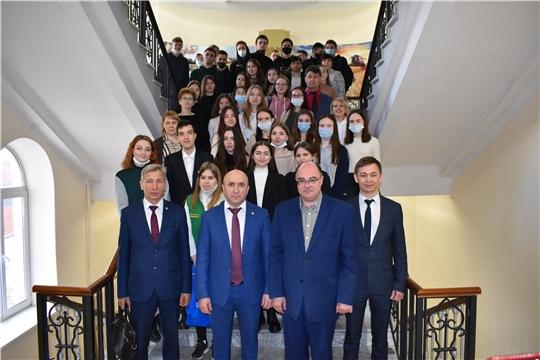 В рамках Дней карьеры Сергей Артамонов встретился со студентами ведущих вузов республики