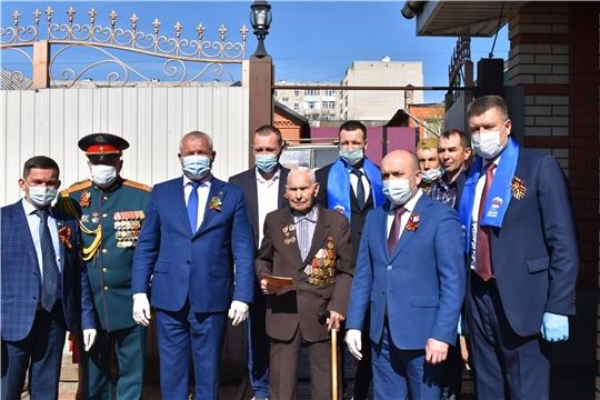 Сергей Артамонов в преддверии Дня Победы поздравил ветеранов