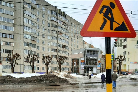 По поручению Олега Николаева дорожное полотно по улице Гражданской приводят в приемлемое состояние