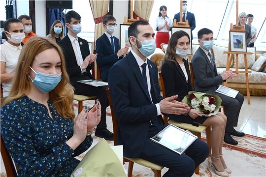 1000 юношей и девушек удостоены стипендии Главы Чувашской Республики