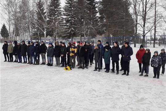 Состоялся  турнир по хоккею с шайбой на переходящий Кубок главы Юнгинского сельского поселения, посвященный выводу войск из Афганистана