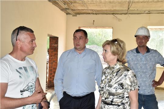 Заместитель министра образования и молодежной политики Чувашии Наталия Скворцова проинспектировала ход строительства Кашмашской школы