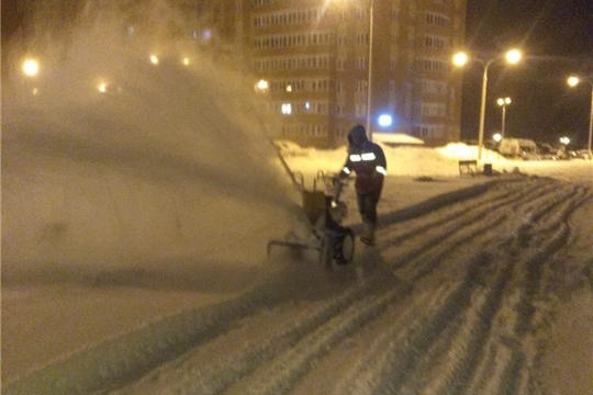 В Чебоксарах организована работа по уборке снега и наледи