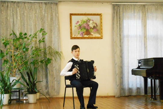 В Детской музыкальной школе преподаватель и ученик получили специальную стипендию Главы Чувашской Республики