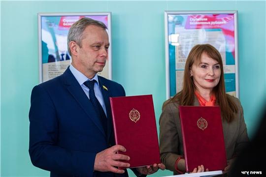 В ЧувГУ открылась фотовыставка, посвященная строительству Сурского и Казанского рубежей
