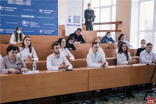 Студенты-медики рассказали о своей работе в «красной зоне», «Советская Чувашия»