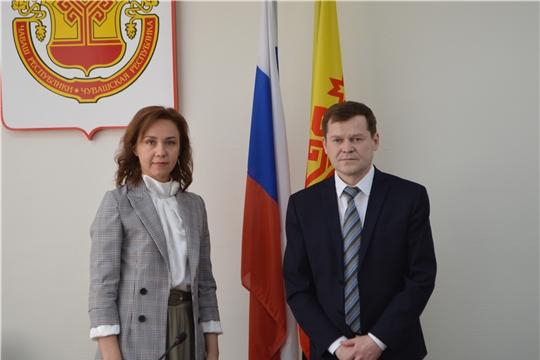 Сергеем Романовым и министром труда и социальной политики Чувашской Республики Аленой Елизаровой проведена рабочая встреча