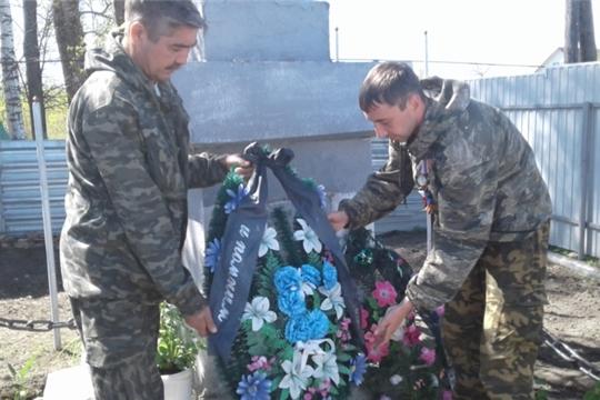 Возложение венков к памятникам павшим ВОВ в Шумерлинском районе