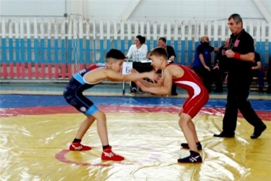 Борцы вольного стиля Чувашии разыграли награды республиканского турнира на призы Ю.В. Андреева