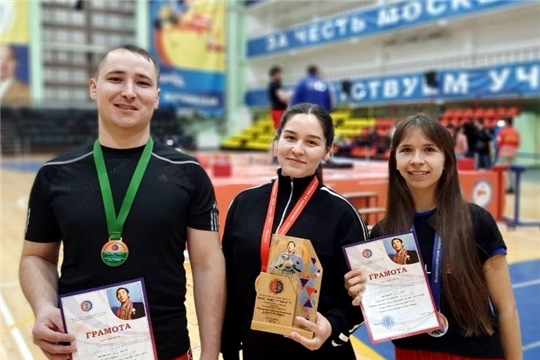 3 медали привезли масрестлеры Чувашии с всероссийских соревнований в Москве