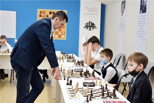 Сеансы одновременной игры с международными гроссмейстерами
