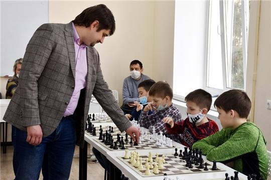 В Чувашии сразу на четырёх площадках прошли сеансы одновременной игры с международными гроссмейстерами