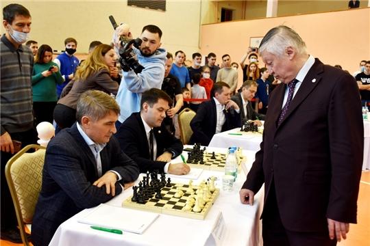 «Партия с чемпионом»: международный гроссмейстер Анатолий Карпов провел сеанс одновременной игры