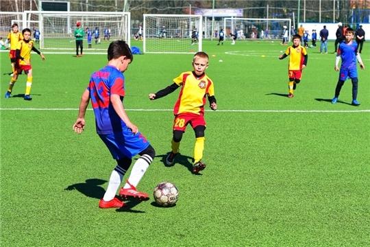 Старт дан: в столице Чувашии проходит детский футбольный турнир «Лига Авторадио Чебоксары»