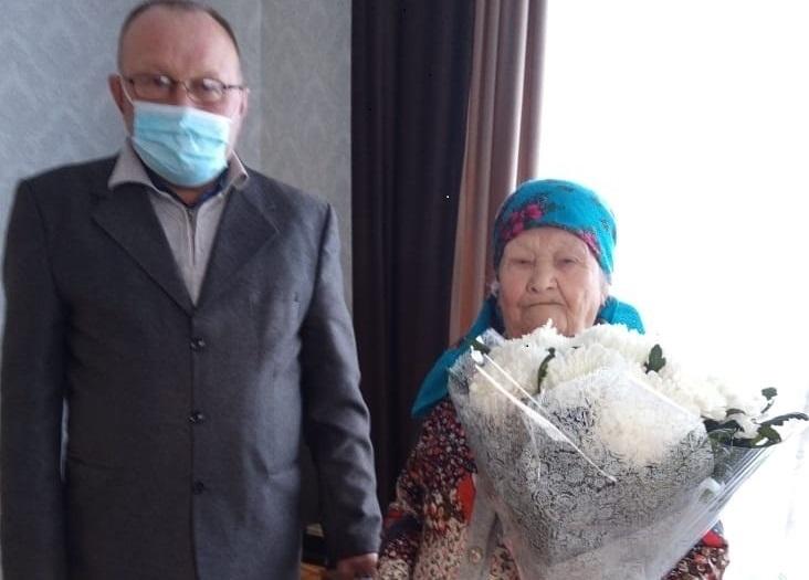 Труженица тыла, жительница дер. Вурман-Кибеки Карзакова Анастасия Петровна отметила 90-летний юбилей