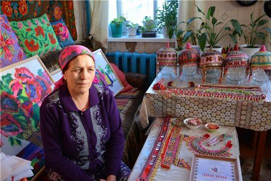 Вышивальщица из с. Янгорчино Валентина Гаврилова
