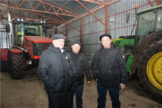 Глава администрации района ознакомился с ходом подготовки к весенне-полевым работам в СХПК