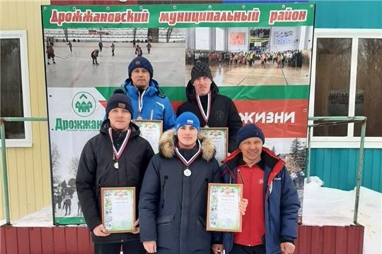 Команда лыжников Яльчикского района заняла второе место на лыжной эстафете в Татарстане