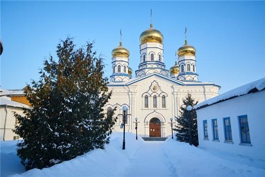 Глава Чувашской митрополии совершил Божественную Литургию в Тихвинском соборе Тихвинского Богородицкого женского монастыря