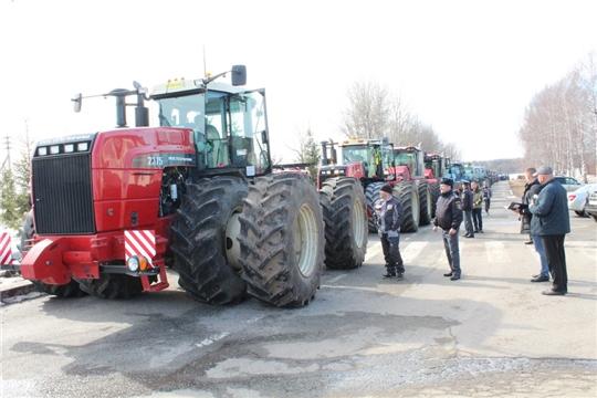 Сельхозтехника проходит технический осмотр перед посевной