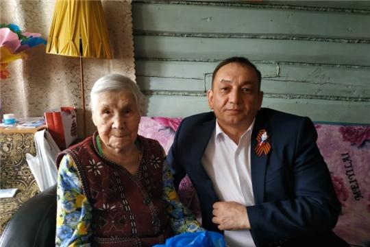 Вручение подарков вдовам участников Великой Отечественной войны и труженикам тыла