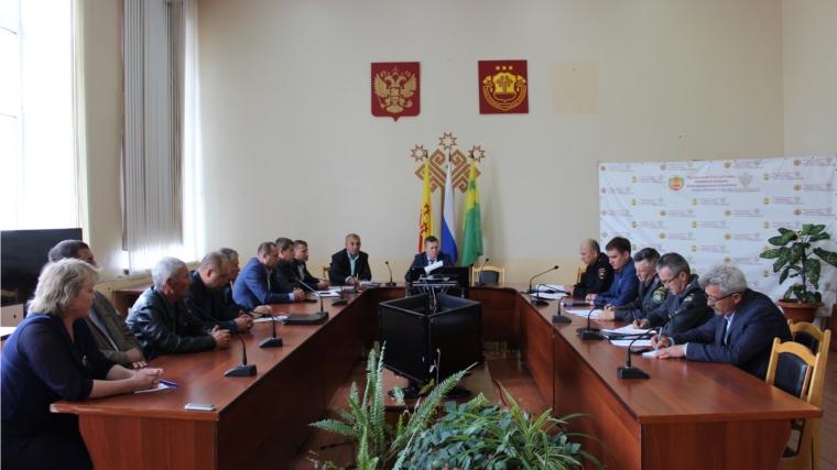 В актовом зале администрации Шемуршинского района в состоялось заседание комиссии по безопасности дорожного движения