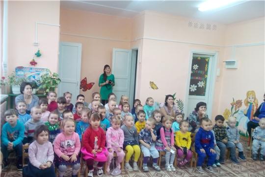 Детский кукольный театр «Петрушка»   проводит выездной показ сказок.
