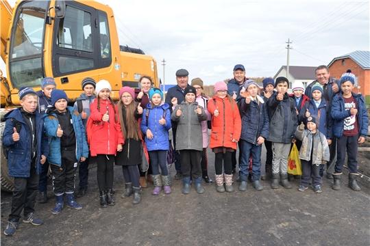 Глава администрации Батыревского района ознакомился с ходом строительства автомобильной дороги в с.Норваш Шигали