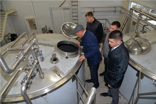Глава администрации Батыревского района посетил строящиеся объекты сельхознаправления