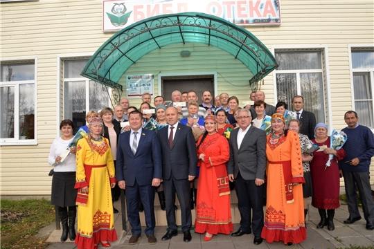 В рамках Единого информационного дня вручены удостоверения «Ветеран труда» и «Ветеран труда Чувашской Республики»