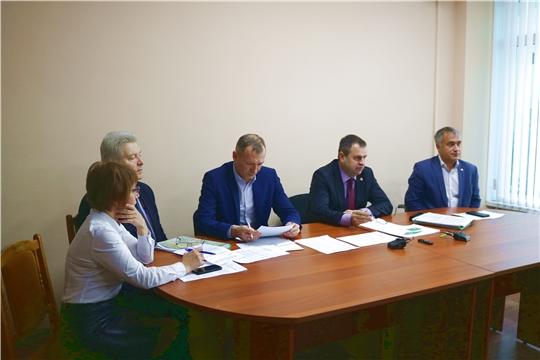 В Минстрое Чувашии с главами муниципалитетов обсудили реализацию Указа Главы по благоустройству дворов