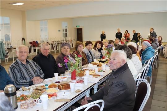 В микрорайонах Алатыря проходят праздничные мероприятия, посвящённые Дню пожилых людей