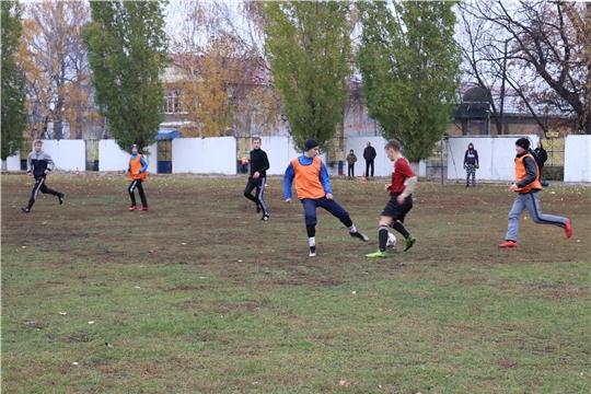 В Алатыре стартовало первенство города по футболу среди школьников