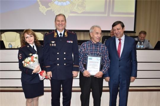 Алатырские полицейские занимаются благотворительностью