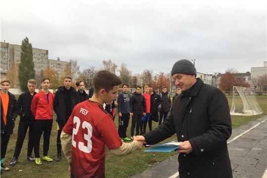 Победителем городского турнира по футболу среди школьников стала команда гимназии №6
