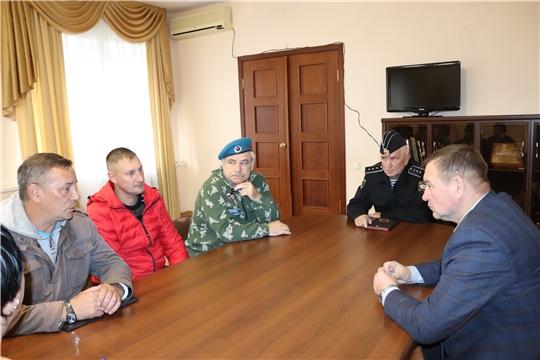 Глава алатырской администрации В.И. Степанов встретился с представителями местной организации «Боевое братство ветеранов Вооружённых сил России»