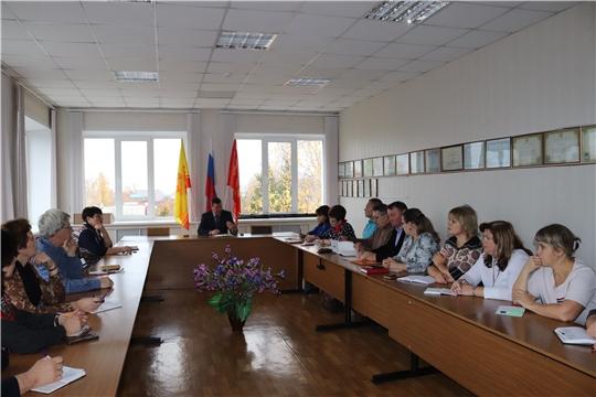 Глава алатырской администрации В.И. Степанов провёл рабочую встречу с руководителями учреждений образования и культуры