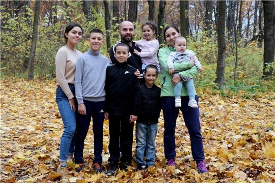 Поддержим семью Ананьевых, которая принимает участие в Интернет – конкурсе «Семейный театр»