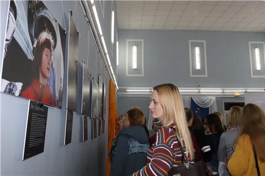 Сегодня и завтра алатырцы смогут ознакомиться с фотовыставкой «Верующие», организатором которой является журнал «Фома»