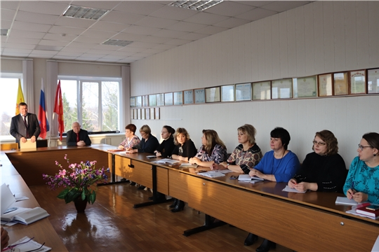К своим обязанностям в алатырской администрации приступили новые начальники отделов культуры и образования