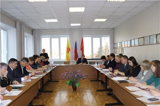 Актуальные вопросы обсуждены в ходе ежемесячного совещания в алатырской администрации